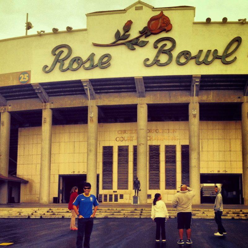 Visita ao Estádio Rose Bowl - Pasadena - Los Angeles (Brasil Tetra ... 2f5854b922f5f