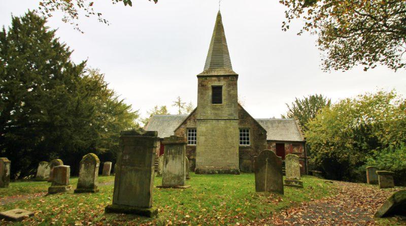 Tour na Igreja do casamento de Jamie Fraser e Claire, em Outlander